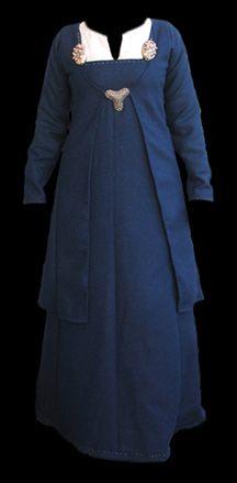 #Danish #viking woman - Showing apron dress & overcoat
