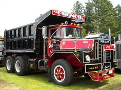 Antique Trucks | Pics from ATHS - Barrington NH 2012 - Antique and Classic Mack Trucks ...