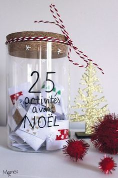 Here is a great idea for an Advent calendar to wait before Christmas: 25 family activities! Each day, we draw together a Christmas recipe, a super DIY, an idea for decorating a party, an outing or a game in family … Des i Simple Christmas, Christmas Time, Christmas Crafts, Christmas Ornaments, Mery Crismas, Christmas Tree Wallpaper, Home Decoracion, Handmade Christmas Decorations, Xmas Decorations To Make