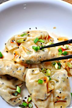 Super simple vegan dumplings filled with sesame tofu and green onions. Steamed or pan fried, either way, they are amazing! Super simple vegan dumplings filled with sesame tofu and green onions. Steamed or pan fried, either way, they are amazing! Vegan Foods, Vegan Dishes, Vegan Vegetarian, Vegetarian Recipes, Cooking Recipes, Healthy Recipes, Thai Vegan, Vegan Lunches, Vegan Raw