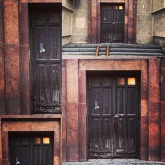 Какую дверь выбираешь? / Which door to choose? #spb #saintpetersburg #stpetersburg #layout #foto #door #питер #спб #санктпетербург #дверь #дверигорода #фото #мойгород