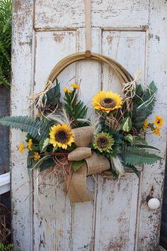 Sunflower Lariat Rope Western Wreath / Cowboy Rope Wreath / Western Country Home Decor / Lasso Wreath by GypsyFarmGirl on Etsy