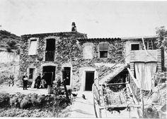 Façana de cases de pescador de Sant Miquel de Colera ( Girona). 1942. Autor desconegut. 27527F MMB Costa, Painting, Angler Fish, Author, Painting Art, Paintings, Painted Canvas, Drawings