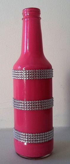 One of the coolest DIY bottles yet! Wine Bottle Art, Painted Wine Bottles, Diy Bottle, Wine Bottle Crafts, Bottles And Jars, Glass Bottles, Mosaic Bottles, Bottle Cutting, Wine And Liquor