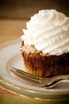 Reminded me of my daughter....Sheryl..... Shoofly Pie Cupcakes (from Cupcake Project)
