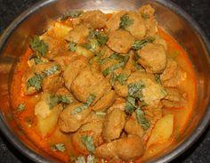 Soya Nuggets Curry (Vegetarian Mutton Curry) : http://secretindianrecipe.com/recipe/soya-nuggets-curry-vegetarian-mutton-curry