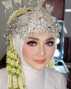 Wedding Day Makeup, Bride Makeup, Hair Makeup, Wedding Looks, Wedding Make Up, Dream Wedding, Hijab Bride, Wedding Hijab, Beautiful Eyes Images