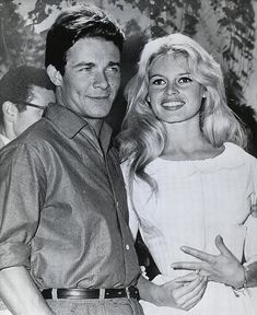 Brigitte Bardot and Jacques Charrier, right after getting married. Brigitte Bardot, Bridget Bardot, Hollywood Glamour, Classic Hollywood, Old Hollywood, Hollywood Stars, Jacques Charrier, Queen Photos, French Actress