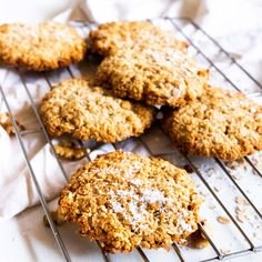 8 Quick And Easy 3 Ingredient Cookies Recipes - UK Gluten Free Anzac Biscuits, Healthy Anzac Biscuits, Quick Cookies, Yummy Cookies, Easy Shortbread Cookie Recipe, Shortbread Cookies, 3 Ingredient Cookies, Banana Oatmeal Cookies, Delicious Cookie Recipes