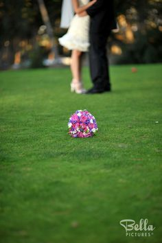 What a fun wedding shot incorporating the bouquet Video Photography, Photography Ideas, Wedding Photography, Wedding Shot, Our Wedding, Quirky Wedding, Wedding Portraits, Wedding Pictures, Picture Ideas