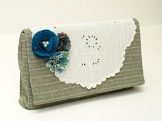 Simple Clutch - Vintage Lace Version