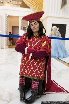 Lord Farquaad from Shrek! (Photo by David Ngo) Shrek Costume, Cosplay Costumes, Halloween 2018, Fall Halloween, Lord Farquaad Costume, Peter Pan Jr, Spooky Costumes, Costume Makeup, Dance Outfits