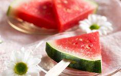 Todella helpot  melonimehujäät, resepti Ruoka.fi. Watermelon Ice lolly