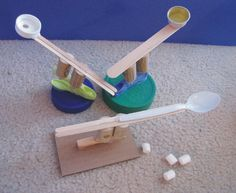 Castle and catapult craft. Maybe we can make cardboard castles and medieval weapons to try and penetrate the castle? Castles Ks1, Knights And Castles Topic, Catapult Craft, Castle Crafts, Germany Castles, Ireland Castles, Scotland Castles, Castle Drawing, Medieval Crafts