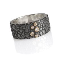 stingray ring texture ring with diamonds set in 18ct. Gold. Chris Hawkins Jewellery.