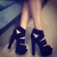 Love the thick straps Shoes black heels Heeled Boots, Shoe Boots, Shoes Heels, Strappy Heels, Sexy Heels, Sandal Heels, Louboutin Shoes, Flat Shoes, Dream Shoes