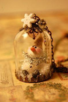 Dome Snowman Necklace