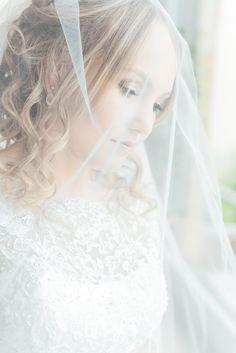 Ich liebe solche Momente bei den Hochzeitsvorbereitungen! www.julia-sikira.com  #hochzeit #weddingphotography #weddingphotographer #bride #love #braut #hochzeitsfotografie #fotograf #hochzeitsfotos #weddingday #schleier