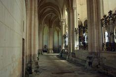 Abdij van Pontigny: de grootste cisterciënzer kerk van de wereld ****   Dorpen in Frankrijk