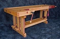 L-Shaped bench. Good idea.