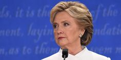 Why Hillary Clinton Seems Unlikeable and Robotic - Clinton's Persona 'Problem'