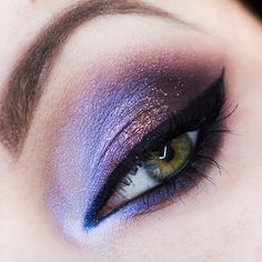 Preen.Me #makeup artist Małgorzata L casts an ethereal spell with her iridescent purple and deep brown smoked out gaze. Get a rundown of her glam finds here.