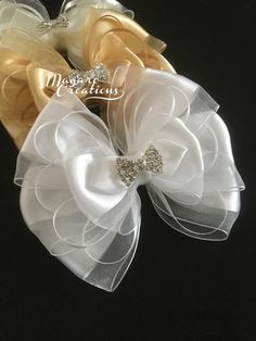 Ivory hair bowflower girl hair bowhair bowwedding image 1 This beautiful handmade hair clip would be perfect for everyday wear or special occasions. The bow is mounted on a 2 Diy Hair Bows, Ribbon Hair, Bow Hair Clips, Barrette Clip, Wedding Bows, Wedding Headband, Ivory Wedding, Flower Girl Hairstyles, Headband Hairstyles