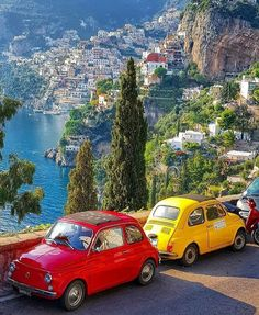 Amalfi Coast Tours in south of Italy by locals. Discover the Amalfi Coast with us by visiting places like Amalfi, Ravello, Capri, Positano. Places To Travel, Places To See, Travel Destinations, Italy Map, Italy Travel, Positano Italien, Vacation Mood, Destination Voyage, Travel Aesthetic