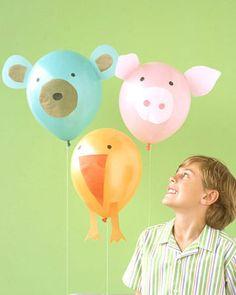 Balões com cara de bixinhos, em forma de sorvete ou florzinha, cheios de confete ou de água... Vejam opções para encantar crianças e adultos