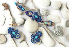 ITEM DETAILS • Materials: Soutache braid, Toho beads, Miyuki beads, Felt • Closure: one button clasp • Colors: Indigo blue, sky blue, turquoise, gold • Back: in a color matching felt   • SUPER lightweight SIZE • Length- the one you need • Maximum Width - 3 cm (1.18)  !!!!!PRICE IS FOR THE BRACELET ONLY!!!!!!!!  We have a matching earrings: https://www.etsy.com/listing/491718642/handmade-artistic-blue-soutache?ref=shop_home_active_26   CUSTOM ORDERS • If you want ...