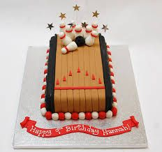 1000 images about bowling party ideas on pinterest for Decoration quille de bowling