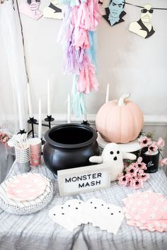 This Monster Mash Halloween Party features fun games, food, desserts, decorations, party supplies and more. Get Halloween party ideas for kids here. Halloween 1st Birthdays, Halloween First Birthday, Pink Halloween, Halloween Inspo, Spooky Halloween, Halloween Costumes, Baby Shower Halloween, Birthday Ideas, 3rd Birthday