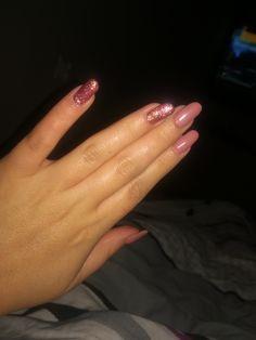 Pink nails with glitter. Różowe pudrowe paznokcie z odrobiną brokatu i szaleństwa. 😍😎