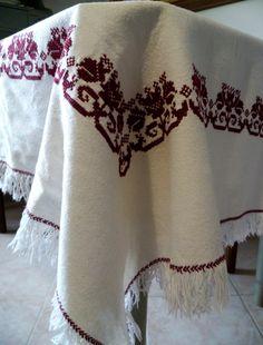 LIVRAISON GRATUITE La main cross stitch nappe avec croix
