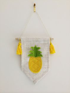 This listing is for one Mini PINEAPPLE wall banner will be a perfect addition to your little ones room! It is made from a natural coloured linen weave Felt Banner, Diy Banner, Diy Arts And Crafts, Handmade Crafts, Diy Crafts, Felt Diy, Felt Crafts, Diy Rocket, Sewing Projects