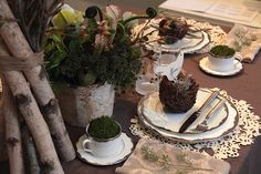 Woodland-Wedding-Table-Indeed-Decor.jpg (720×480)