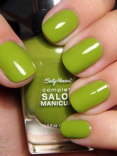 Goin on my toes:  Sally Hansen Complete Salon Manicure – Grass Slipper