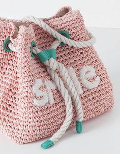 gemelli with Zpagetti ( Puff Stitch Crochet, Crochet Cross, Cute Crochet, Crochet Stitches, Crochet Patterns, Crochet Backpack, Crochet Clutch, Crochet Purses, Crochet Bags