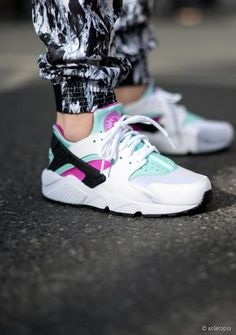 I need these in my life.... ❤❤❤ Nike Huarache sneakers