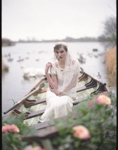 Beautiful 20s inspired bride on a boat! @ cpbride.com/blog