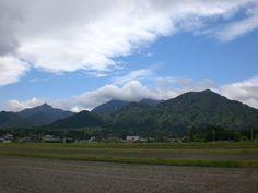 菰野町千種地区 鎌ヶ岳、御在所岳  平成24年5月3日撮影