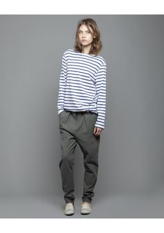 It's nice to see a well-put-together outfit featuring baggy clothes. It looks so COMFY.... :D