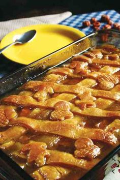 This Sweet Potato Cobbler will be a hit on your holiday feast table.Switched sugar to br sugar and honey, reduced the water, added some vanilla, no nutmeg. Sweet Potato Cobbler, Potato Pie, Sweet Potato Recipes, Thanksgiving Recipes, Fall Recipes, Holiday Recipes, Thanksgiving Table, Pumpkin Recipes, Köstliche Desserts