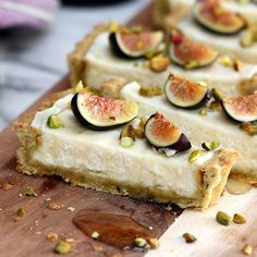 Fig Mascarpone Tart with Pistachio and Black Pepper Crust