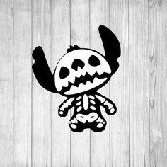Fall Halloween, Halloween Crafts, Halloween Decorations, Disney Halloween Shirts, Halloween Stickers, Mascaras Halloween, Disney Earrings, Adornos Halloween, Images Disney