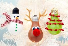 Lightbulb Christmas crafts! What a great way to recycle a finished light bulb!