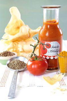 Indischer Ketchup // Klar darf der auf die Grillwurst! Aber dieser indische Ketchup schmeckt z.B. auch als Dip zu Chapati (dünnem Fladenbrot) und Gemüsesticks