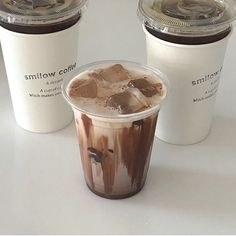 Milk coffee is a category of coffee-based drinks made with milk. Cream Aesthetic, Aesthetic Coffee, Aesthetic Food, Aesthetic Light, Brown Aesthetic, Coffee Break, Iced Coffee, Coffee Drinks, Iced Latte