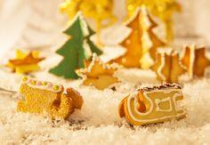 Aufstellkekse sorgen für einen Hingucker auf dem Weihnachtstisch.