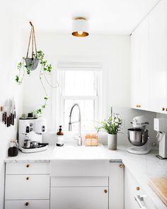 Eine Idee Für Küchenzelle Ikea, Weißes Zimmerdesign Weiße Ausstattung Und  Möbel In Der Küche,